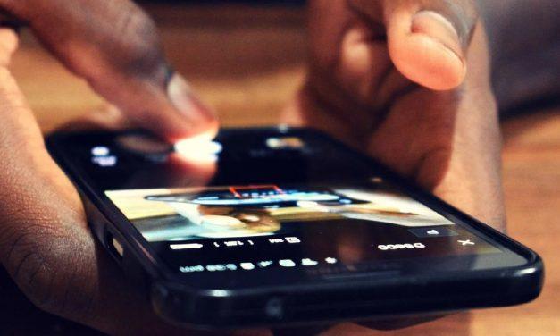 Rave: la aplicación que desafía la juntada para ver series