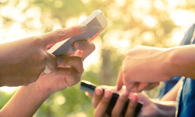 La historia de los celulares: ¿Cómo nos afectan en la actualidad?