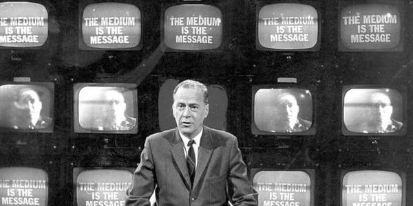 Dibujar a McLuhan. Visualsonointerficialidades.