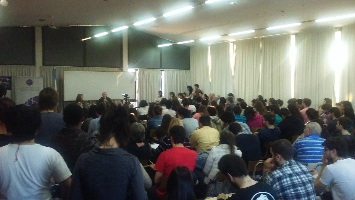 Atilio Borón en el Congreso sobre Democracia.